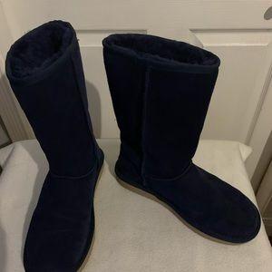 Dark blue Ugg boots (Koolaburra)  size 8,